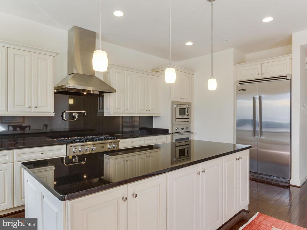 Gourmet Kitchen with oversized island - 4526 WESTHALL DR NW, WASHINGTON