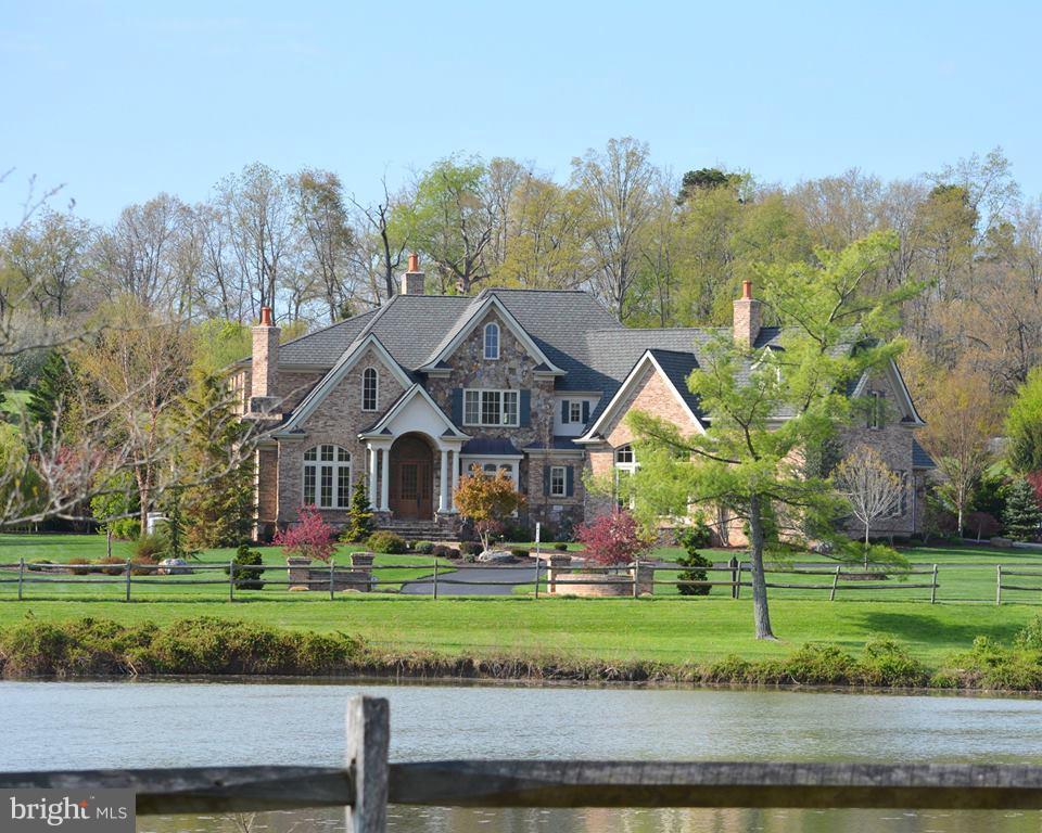 Single Family for Sale at 3411 Izaak Walton Dr Harrisonburg, Virginia 22801 United States