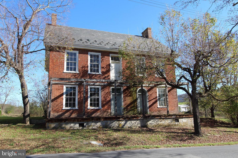 Single Family for Sale at 17591 Fannettsburg Rd E Fannettsburg, Pennsylvania 17221 United States