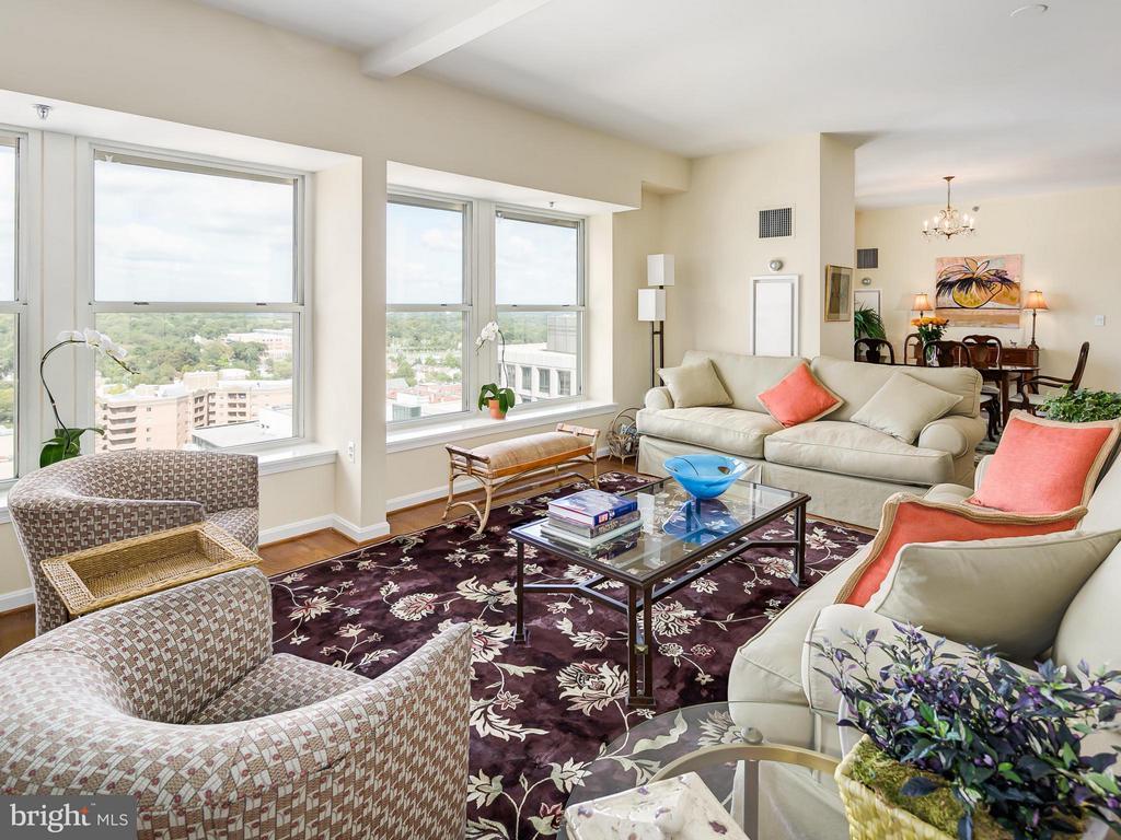 Living Room - 900 TAYLOR ST #2108/12, ARLINGTON
