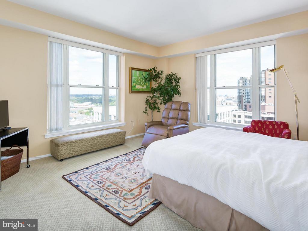 Bedroom (Master) - 900 TAYLOR ST #2108/12, ARLINGTON
