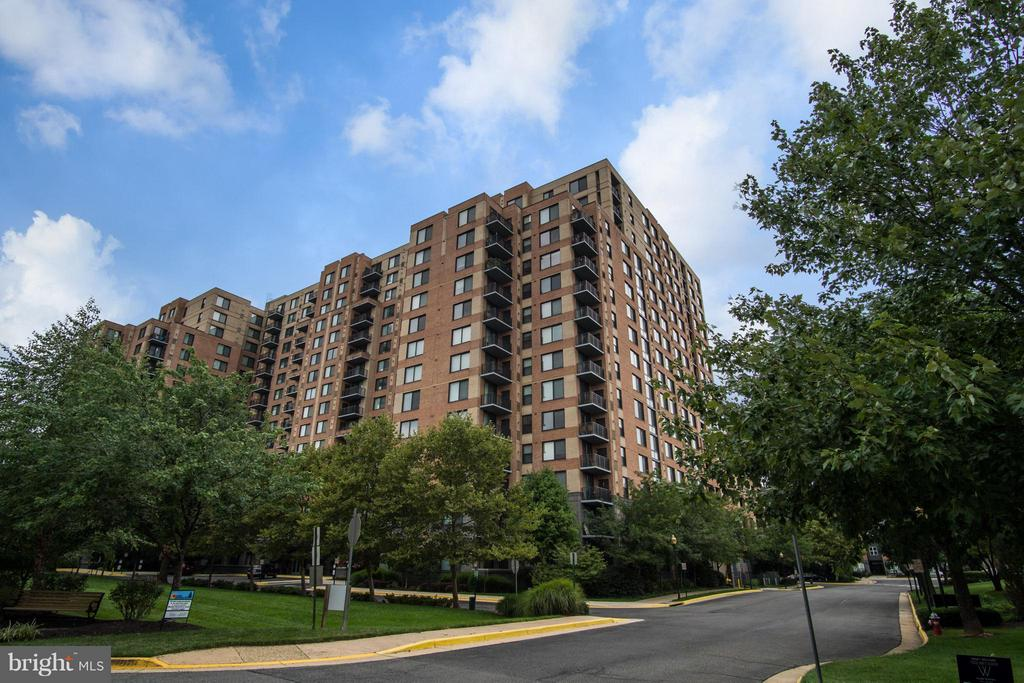 2451  MIDTOWN AVENUE  913 22303 - One of Alexandria Homes for Sale
