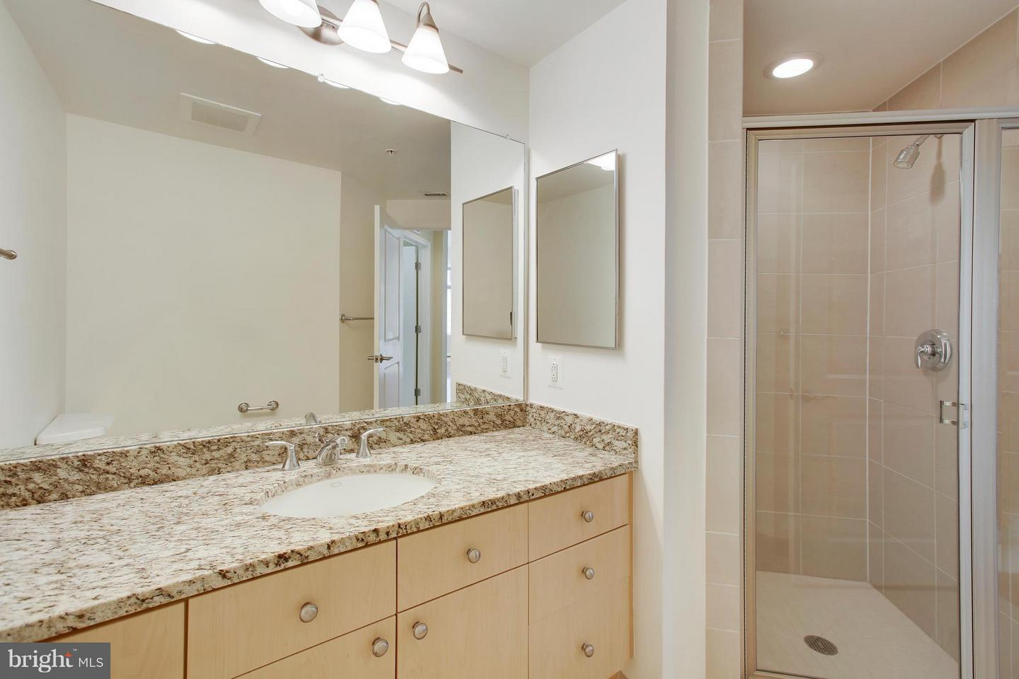 Additional photo for property listing at 11990 Market St #303 11990 Market St #303 Reston, Virginia 20190 United States
