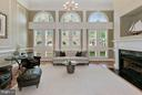 Family Room - 14 ft ceiling - 1415 NASH ST N, ARLINGTON