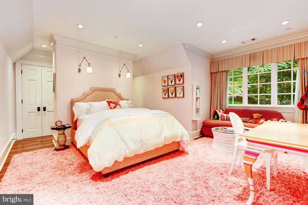 Bedroom - 7019 NATELLI WOODS LN, BETHESDA
