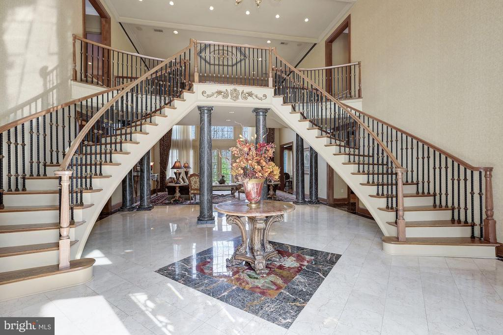 Grand Foyer - 896 ALVERMAR RIDGE DR, MCLEAN