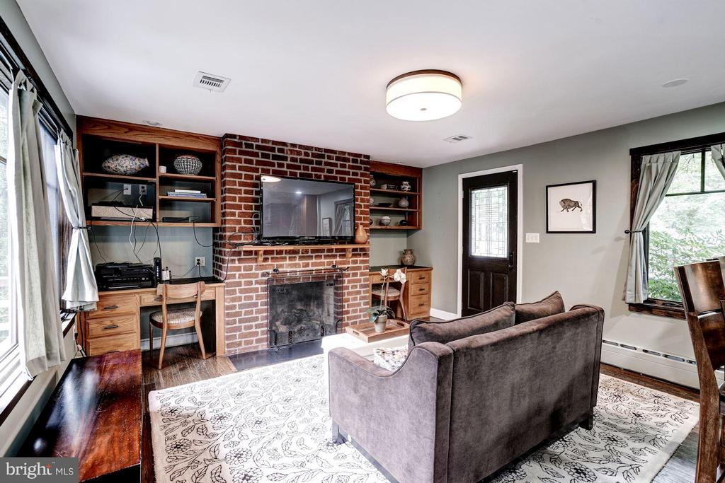 This family room is bright for doing homework... - 2900 27TH ST N, ARLINGTON