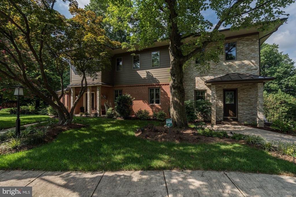 Welcome to 2900 27th St in sought after Woodmont! - 2900 27TH ST N, ARLINGTON