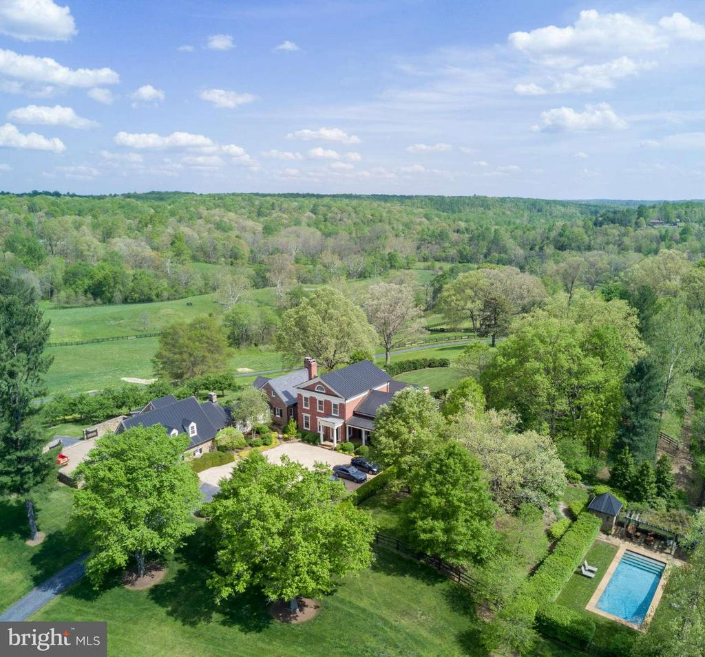 One of Virginia's most Beautiful Estates - 12473 CREST HILL RD, HUME