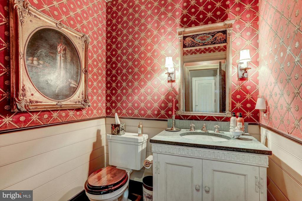 Powder Room - 12473 CREST HILL RD, HUME