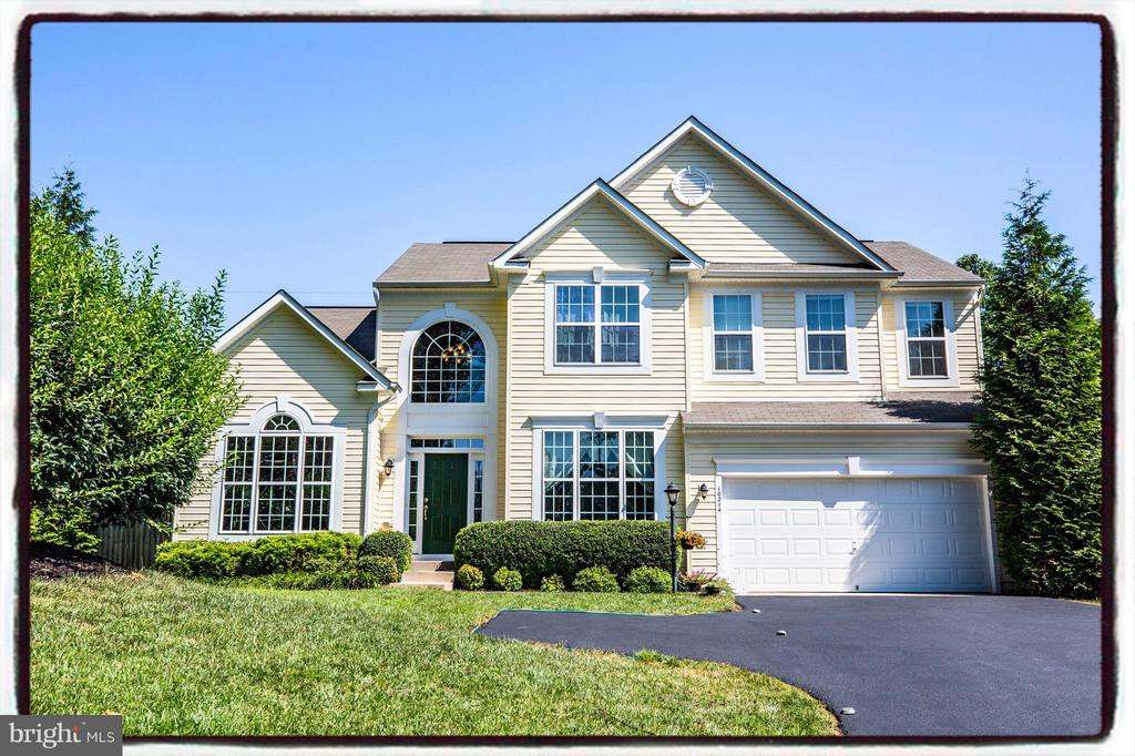 Your retreat! Stunning Colonial on 1.3 acres - 10214 DARDEN CT, SPOTSYLVANIA