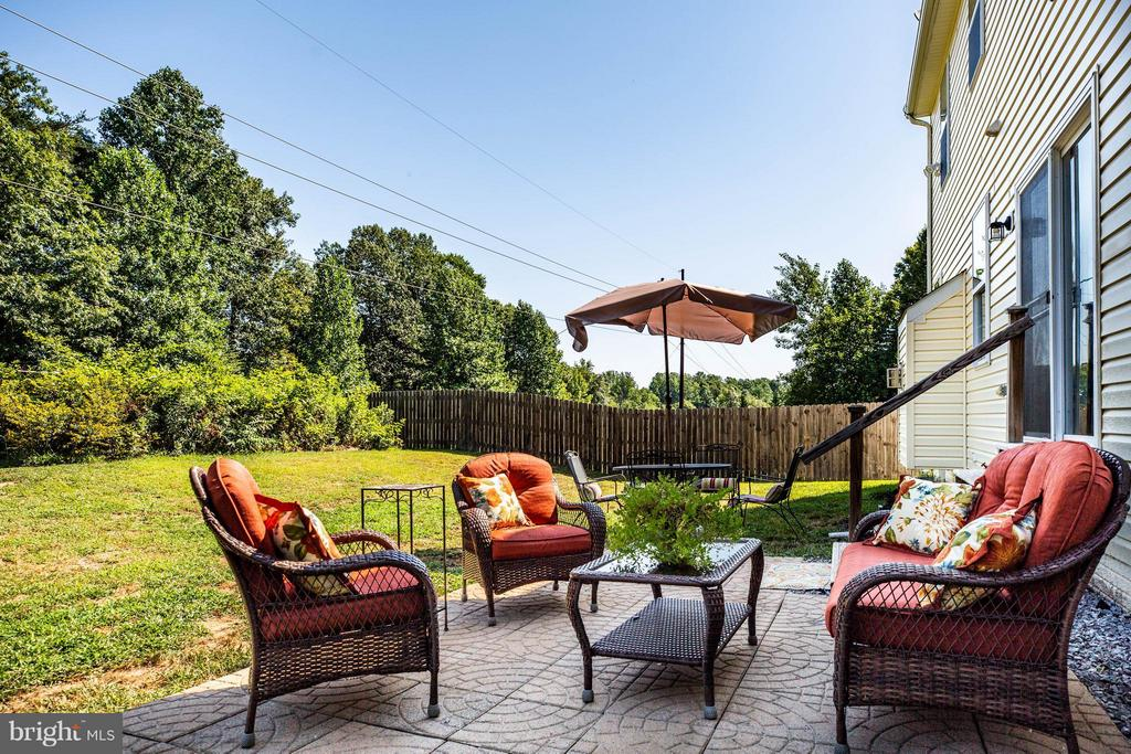 Relax on your patio and enjoy the serenity - 10214 DARDEN CT, SPOTSYLVANIA