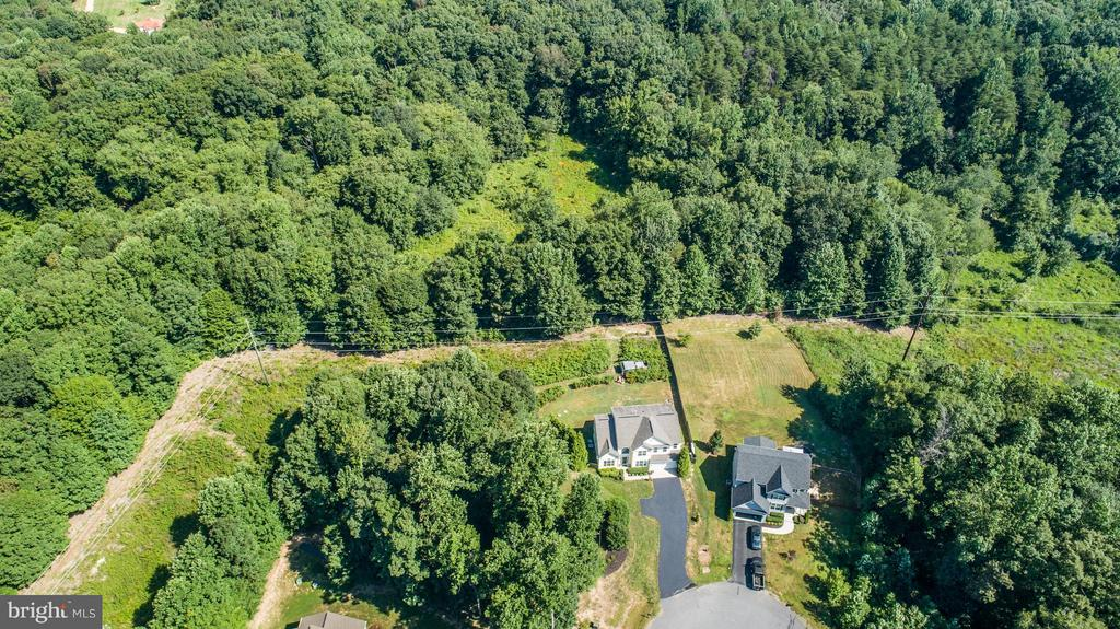 Pick a trail! Hike from your backyard - 10214 DARDEN CT, SPOTSYLVANIA
