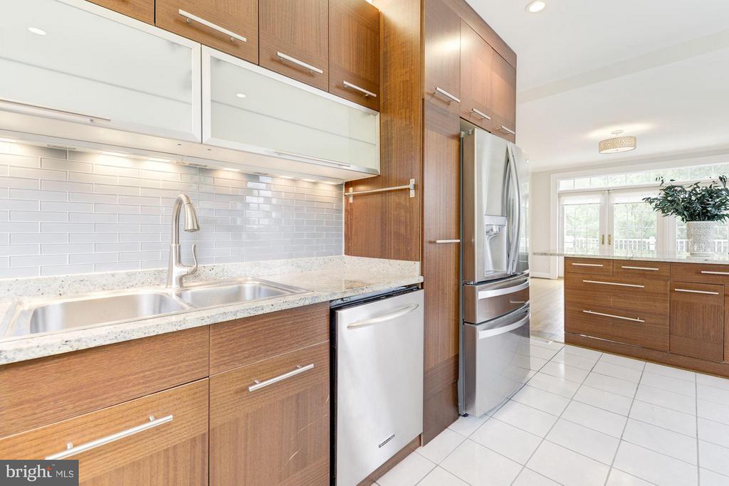 Kitchen - 3280 CHESTNUT ST NW, WASHINGTON