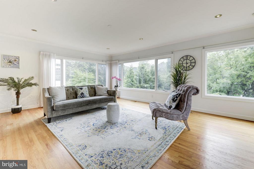 Living Room - 3280 CHESTNUT ST NW, WASHINGTON