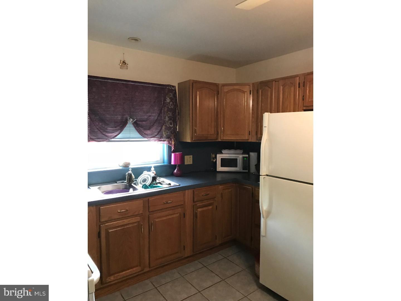 独户住宅 为 销售 在 2212 PERKIOMEN Avenue 雷丁, 宾夕法尼亚州 19606 美国