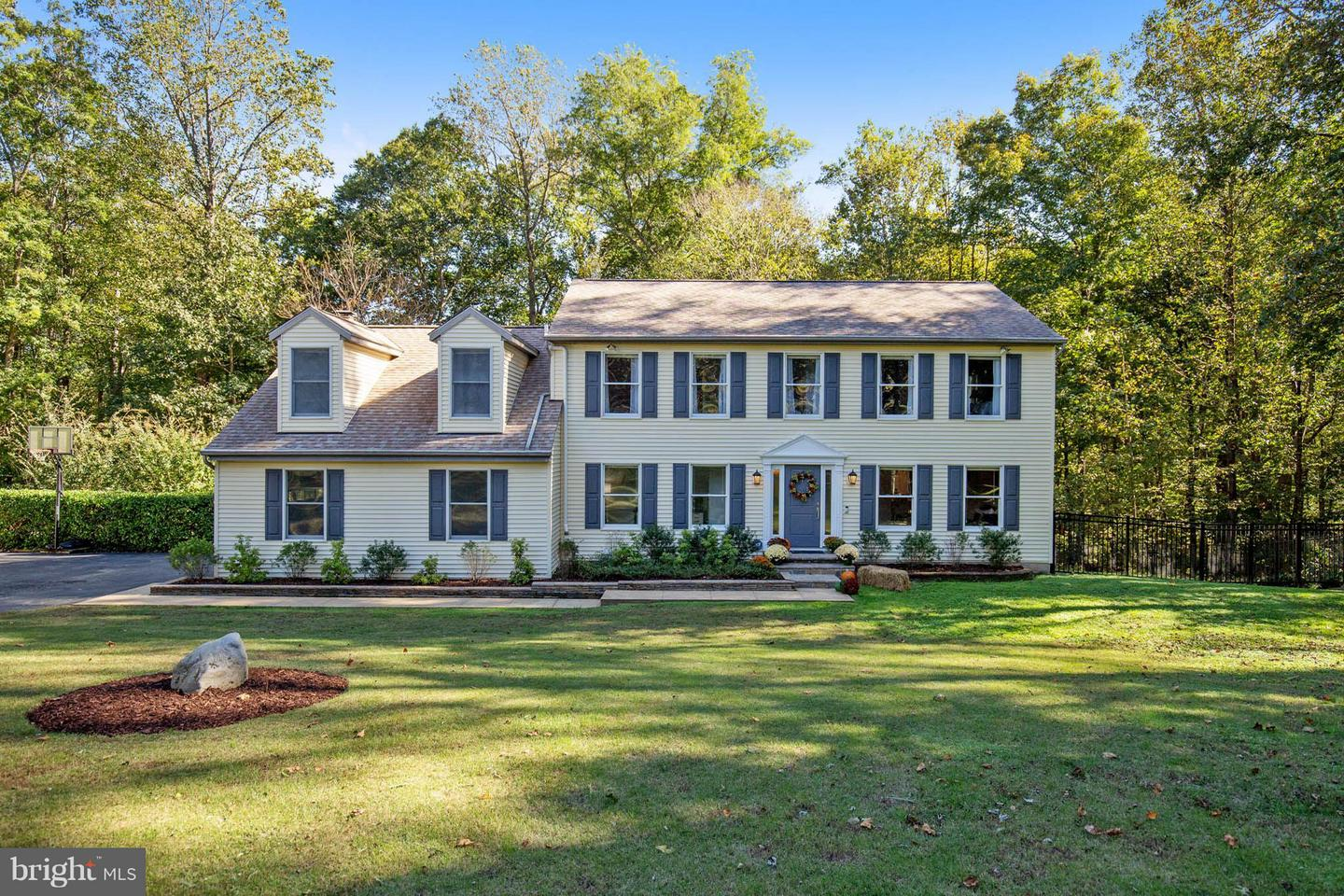 Photo of home for sale at 1916 Aberdeen Drive, Dunkirk MD