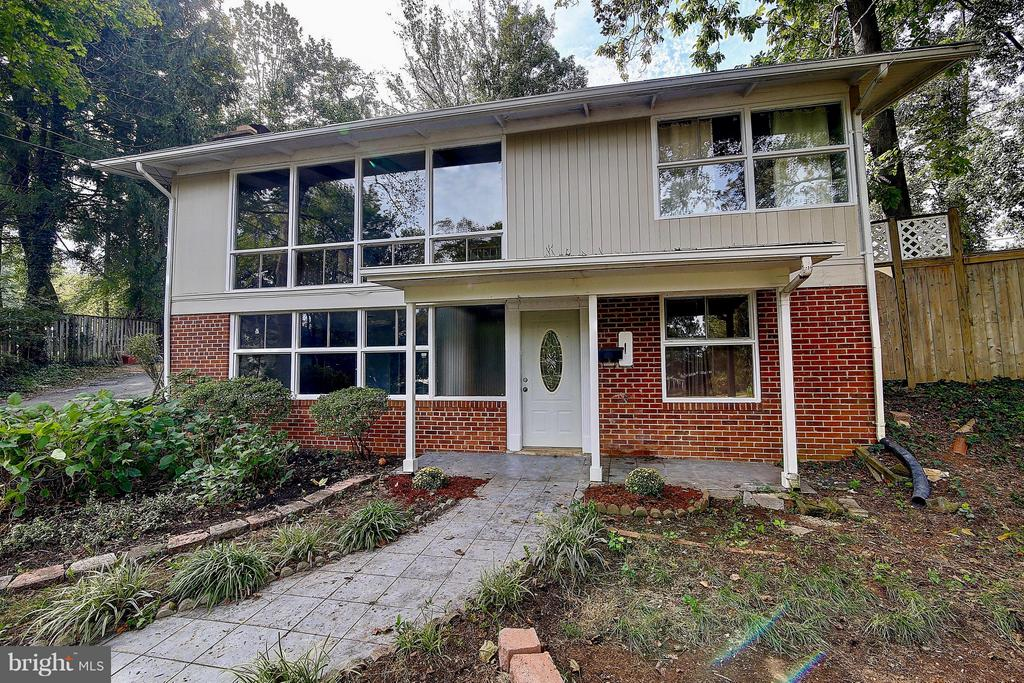 Falls Church Homes for Sale -  Cul De Sac,  7911  SYCAMORE DRIVE