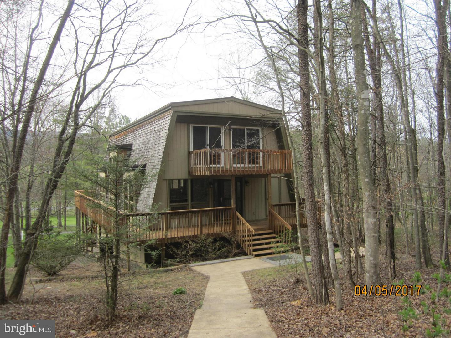 Single Family for Sale at 1667 Fairway Dr Basye, Virginia 22810 United States