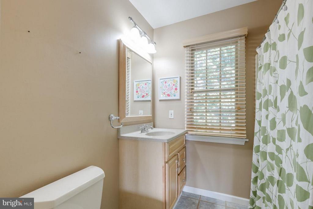 Upstairs Bathroom - 6410 PROSPECT ST, FREDERICKSBURG