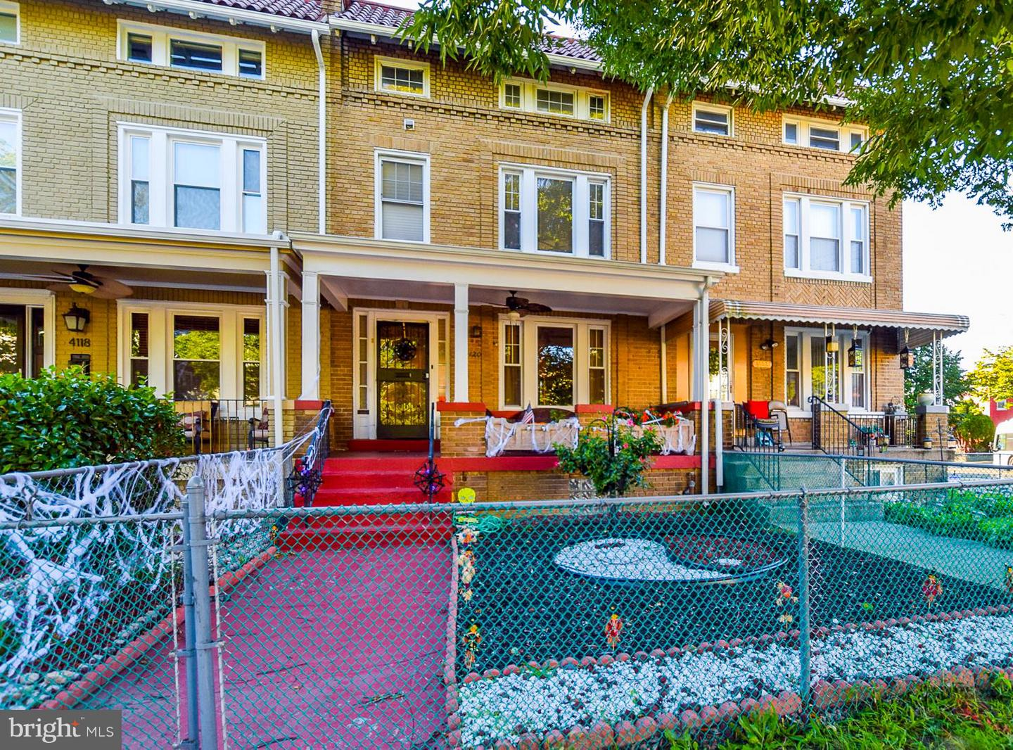 Photo of home for sale at 4120 Illinois Avenue Nw, Washington DC