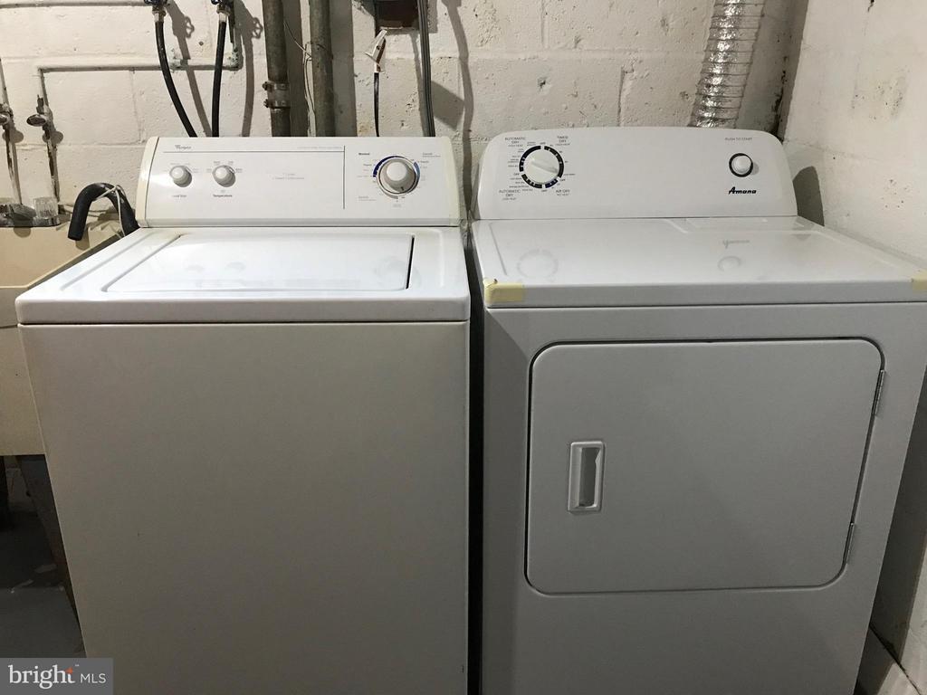 full size washer & dryer - 710 1ST ST, ROCKVILLE