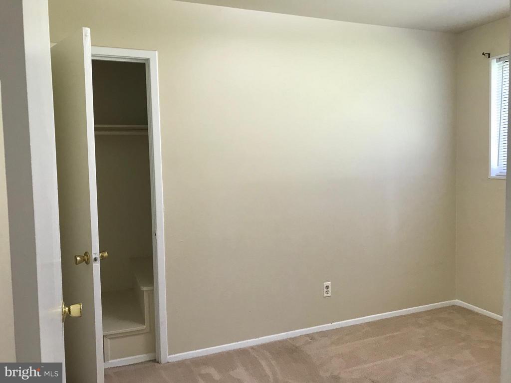 3rd bedroom - 710 1ST ST, ROCKVILLE
