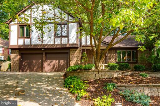 4087 CAMELOT CT