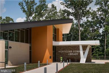 New county library is walking distance - 4087 CAMELOT CT, DUMFRIES