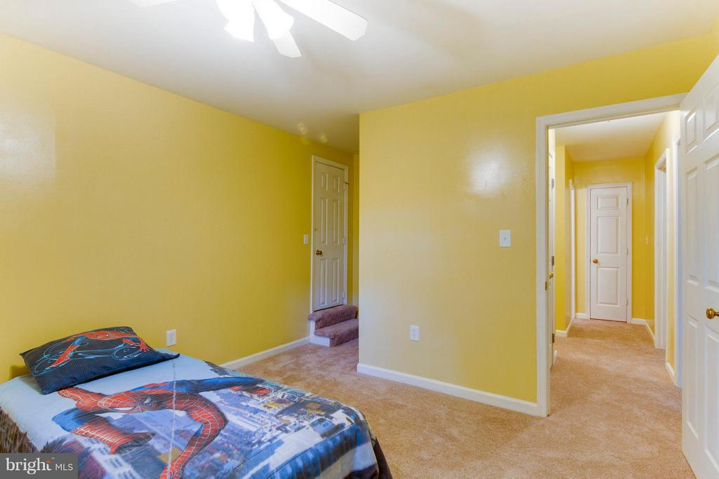 Another large bedroom leads to grandma's attic - 4087 CAMELOT CT, DUMFRIES