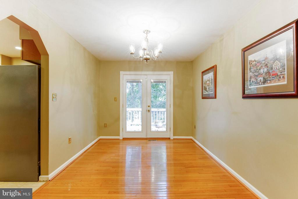 Dining Room with french doors to large deck - 4087 CAMELOT CT, DUMFRIES