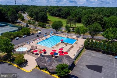 Community pool two blocks from home - 4087 CAMELOT CT, DUMFRIES
