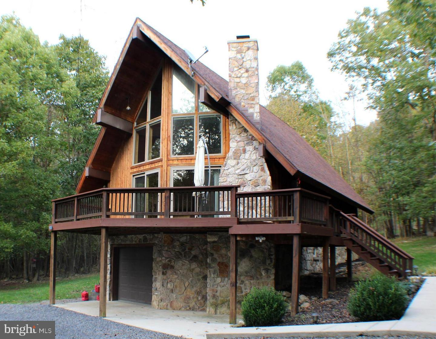 Single Family for Sale at 40 Pineview Rd Maysville, West Virginia 26833 United States