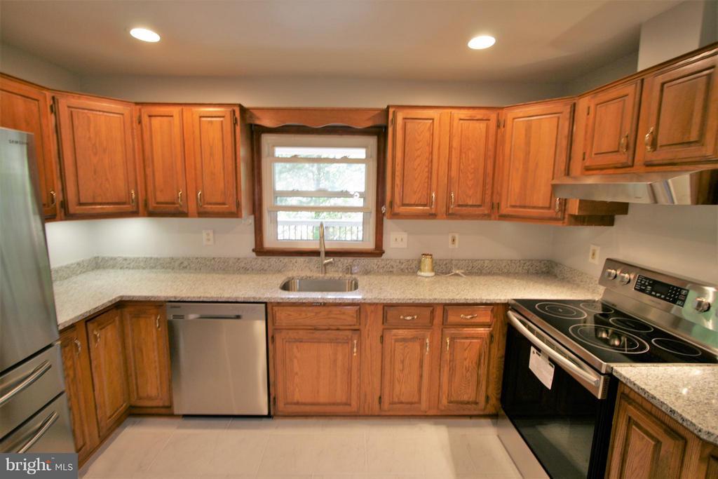 Kitchen - 4136 WATKINS TRL, ANNANDALE