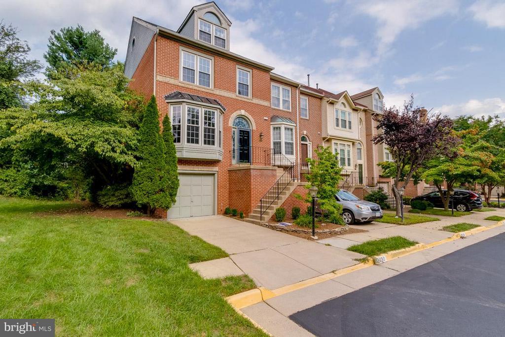 Fairfax Homes for Sale -  Loft,  12030  LISA MARIE COURT