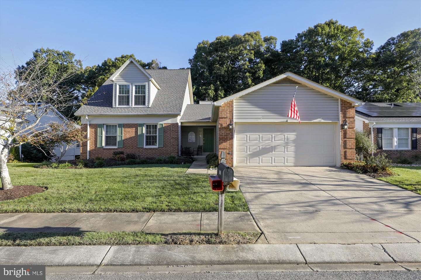 Photo of home for sale at 832 Coxswain Way, Annapolis MD