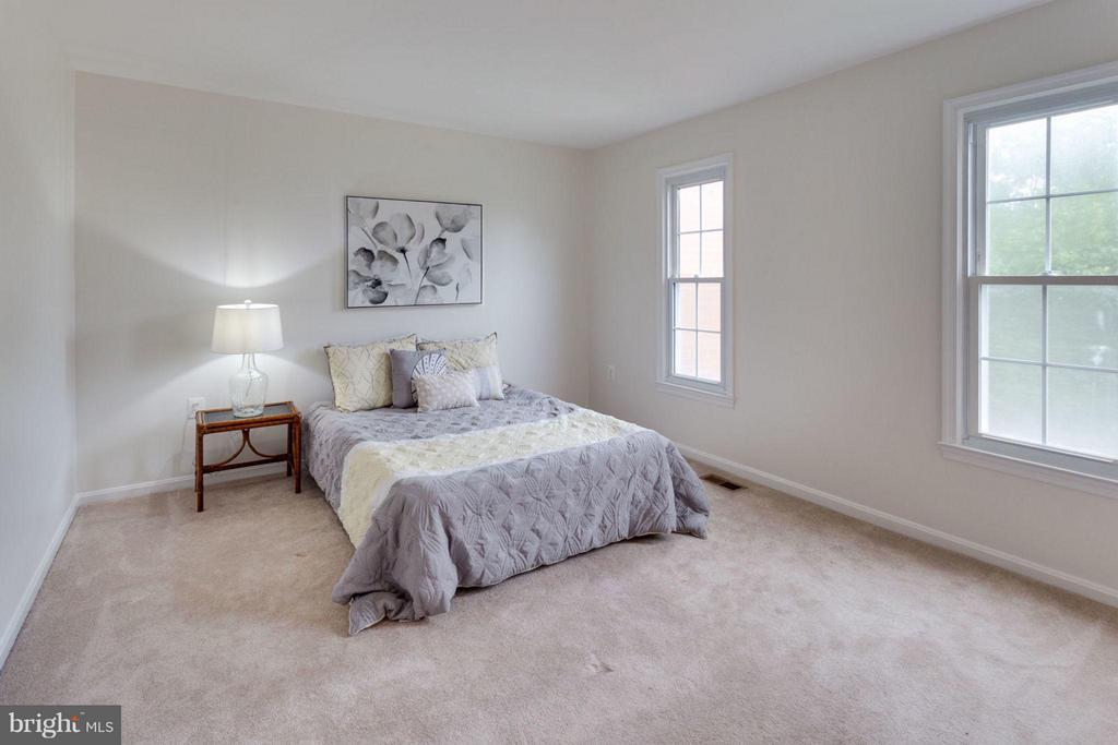 Bedroom (Master) - 6002 MARDALE LN, BURKE