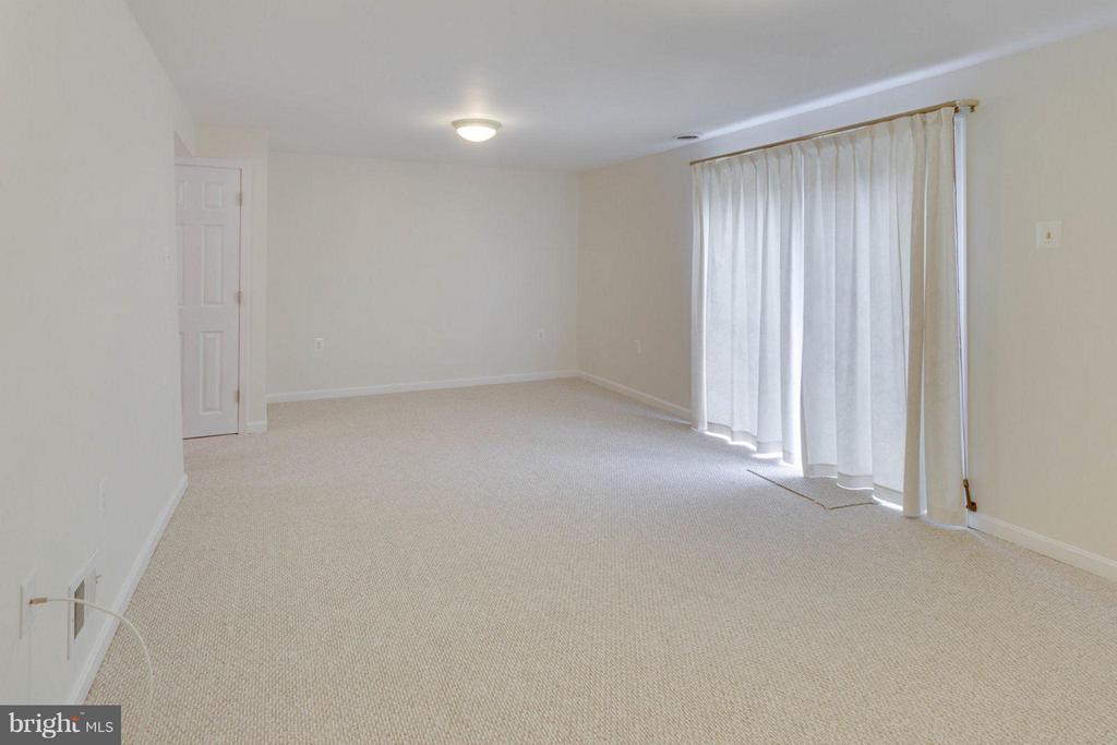 Family Room - 6002 MARDALE LN, BURKE