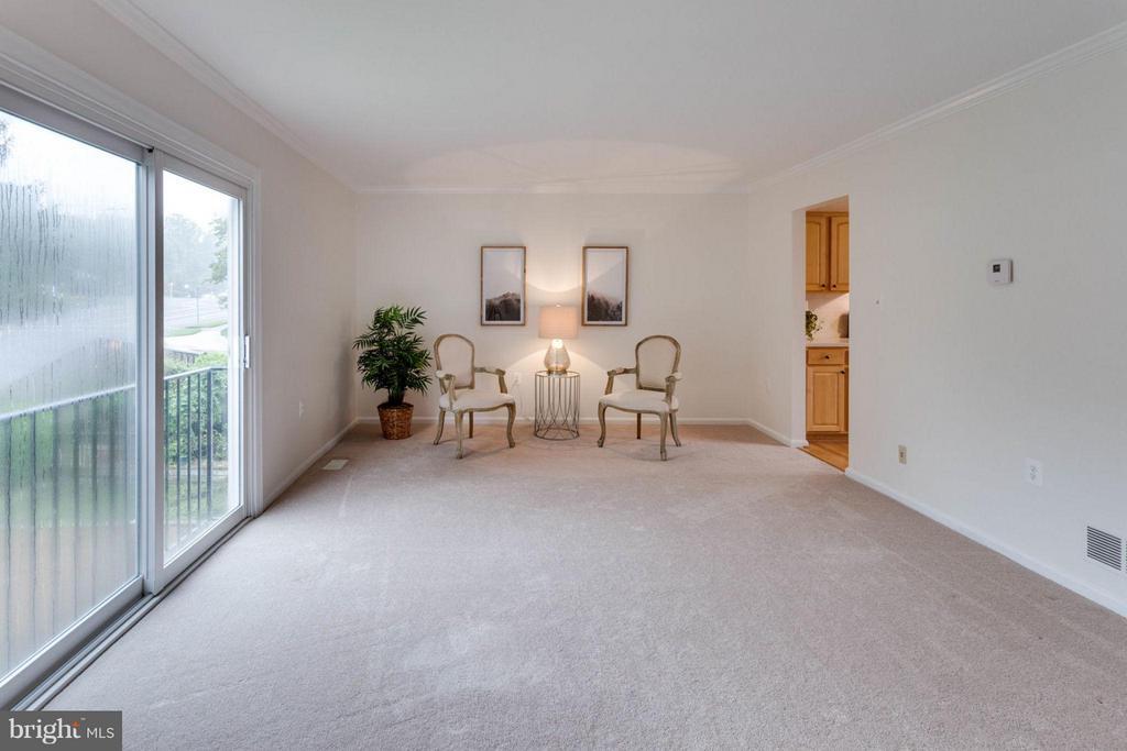 Living Room - 6002 MARDALE LN, BURKE