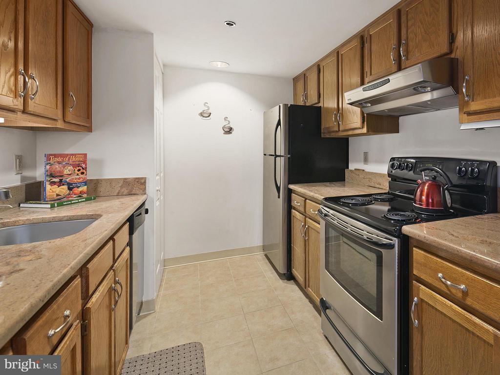 Kitchen - 900 TAYLOR ST #620, ARLINGTON