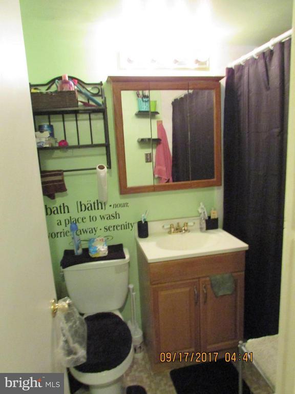 Bathroom - 3813 SWANN RD #1, SUITLAND