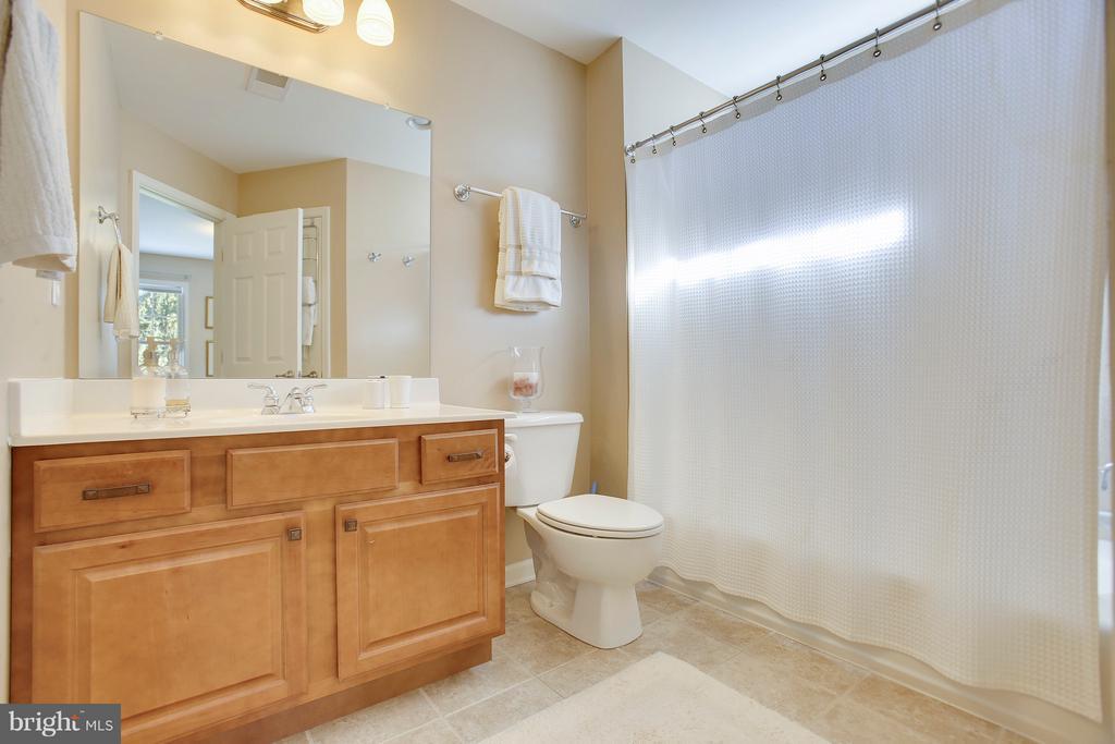 Guest Suite Bathroom w/ transom window - 4610 MOCKINGBIRD LN, FREDERICK