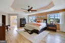 Gorgeous Master Suite retreat w/ coffered ceiling - 4610 MOCKINGBIRD LN, FREDERICK
