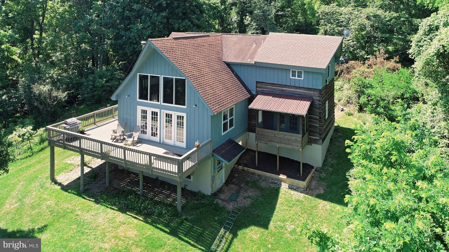 Single Family for Sale at 814 Liberty Hill Ln Paris, Virginia 20130 United States