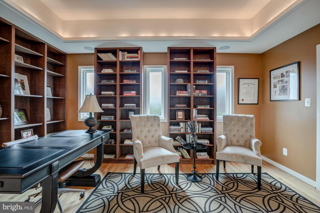 Study with Built-in - 506 NORWOOD ST, ARLINGTON
