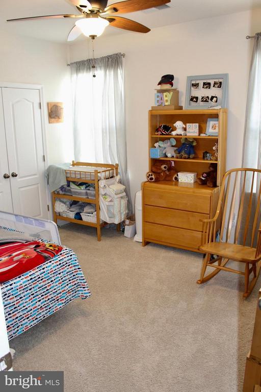 upper level bed room #2 view 2 - 41846 APATITE SQ, ALDIE