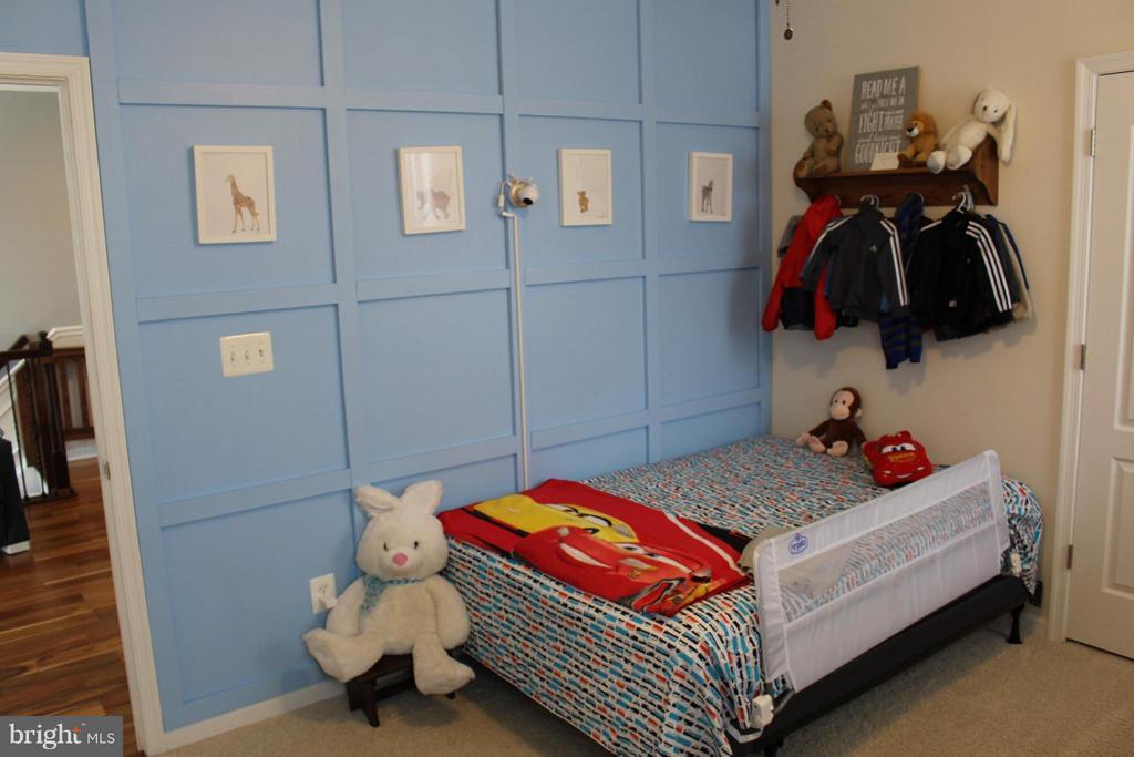 Upper level bedroom #2 - 41846 APATITE SQ, ALDIE