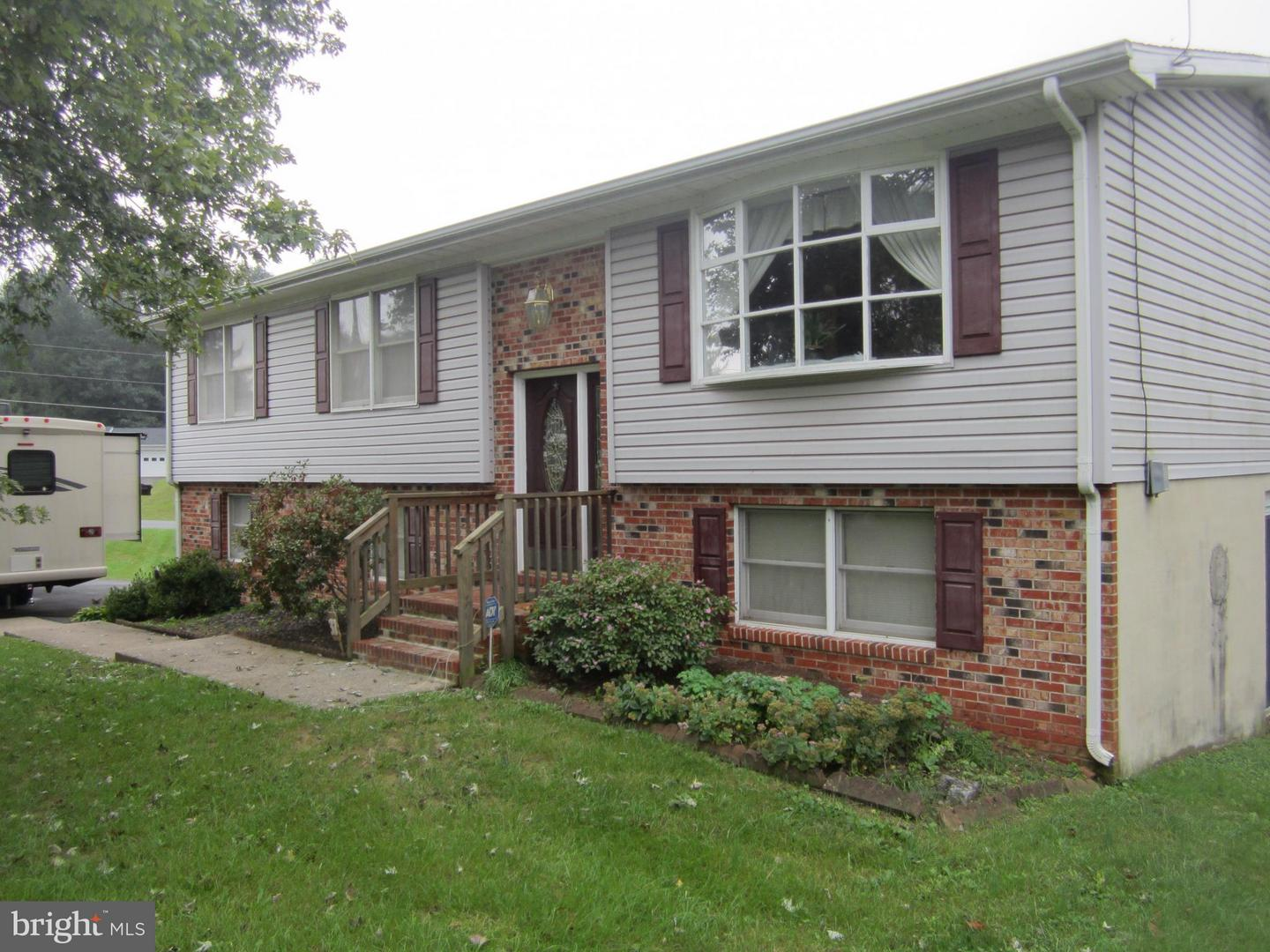 Single Family for Sale at 37 Columbia Dr Kearneysville, West Virginia 25430 United States