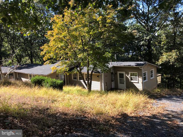 Photo of home for sale at 1798 Khyber Pass Road, Linden VA