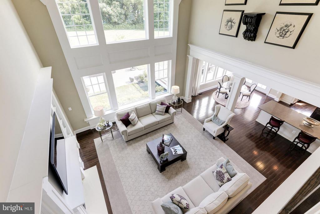 Bedroom level overlooking family room - 40736 WILD PLUM DR, ALDIE